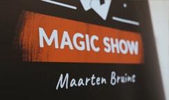 Tafelgoochelaar oftewel rondlopende goochelaar Maarten Bruins